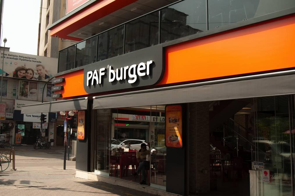 gradi-cephe-paf-burger-0000