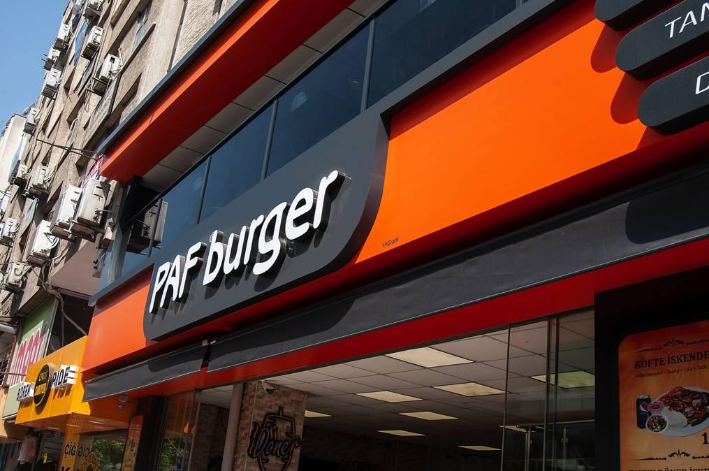 gradi-cephe-paf-burger-0001